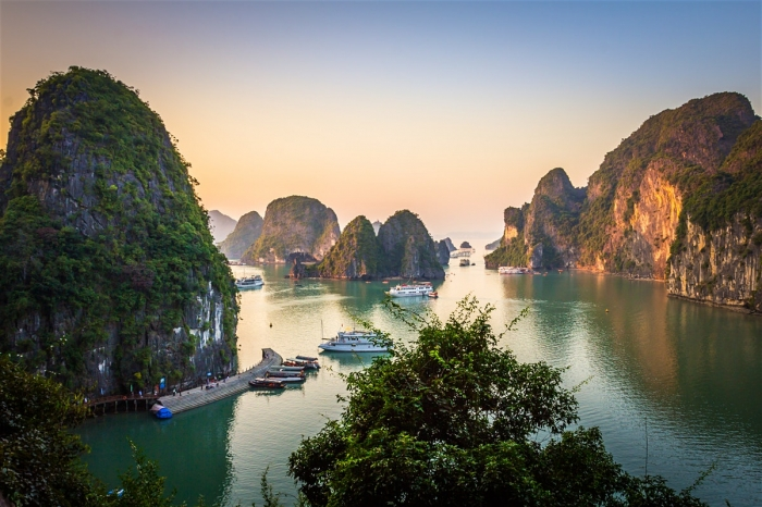 HALONG 1 DAY TRIP(4 hour on boat)